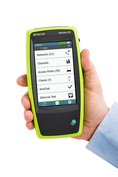 Netscout AirCheck G2 in hand