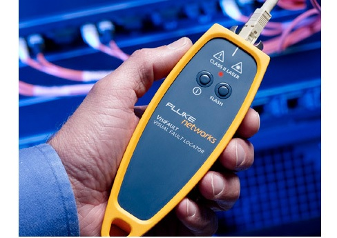 Fluke Networks Visifault in hand